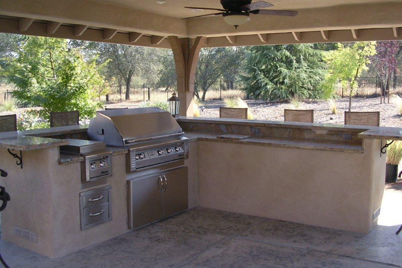Outdoor kitchens deome2 builders for Ready made outdoor kitchen
