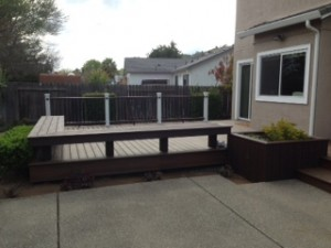 trex-deck-with-planters-and-bench