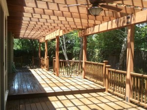 trex-transcends-deck-and-rail-with-redwood-patio-cover